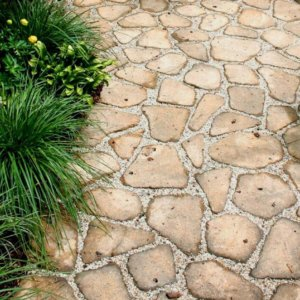 Садовые дорожки из плиточного камня